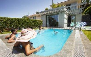 Piscina exterior Hotel Coral Villas La Quinta
